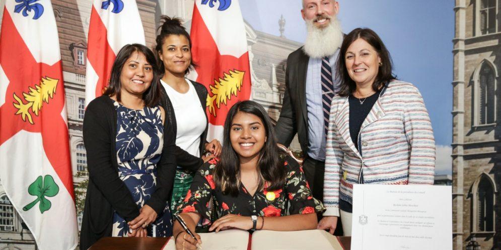 Trois élèves honorés à l'Hôtel-de-ville de Montréal